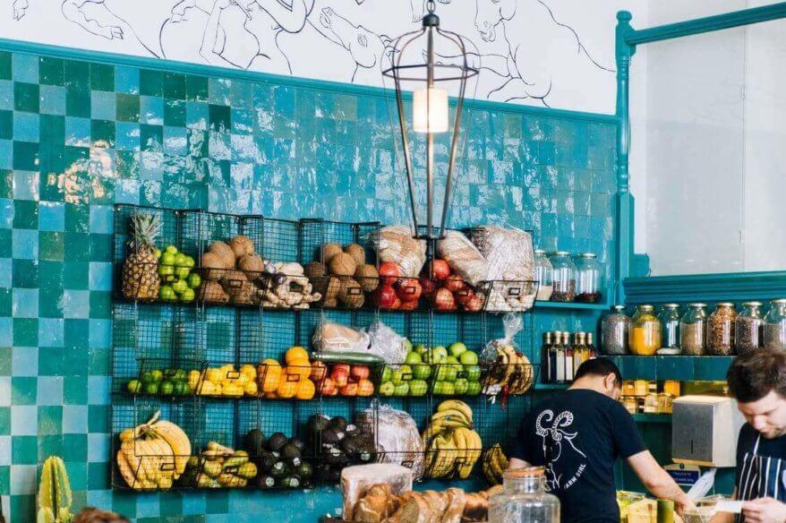 4 stratégie, pomocou ktorých kamenné obchody môžu nonšalantne predbehnúť online predajcov