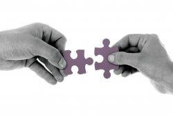 Prepojiteľnosť toku informácií od vstupu až po výstup